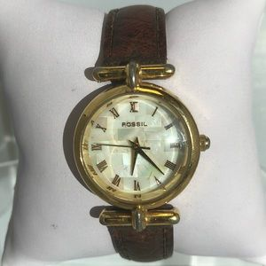 Fossil vintage ES8690 gold tone pearl face watch